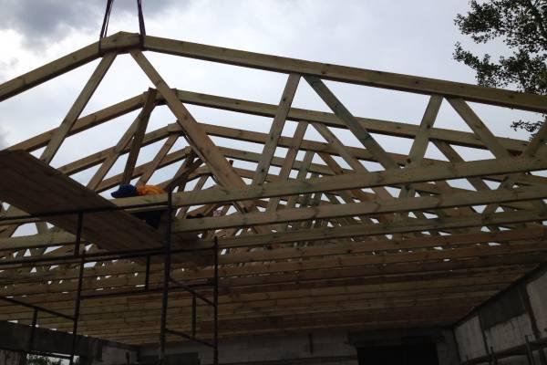 usługa montażu elementów dachu